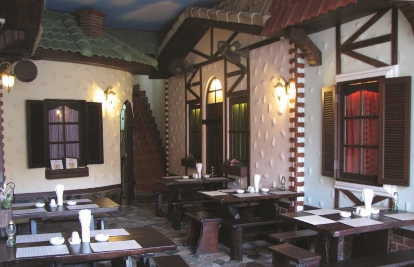 Открытая веранда ресторана 8 Подков